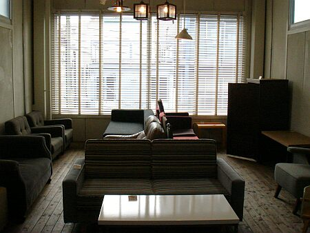 DSC08172_sofa.jpg