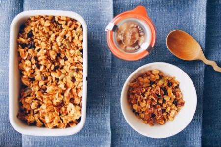 [レシピ]朝食におやつに!30分で作れる簡単グラノーラの作り方